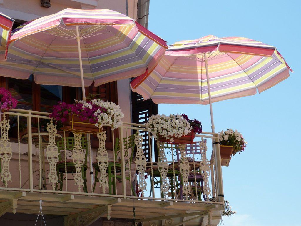 Balcon et parasol