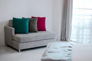Relooking déco: customiser son canapé
